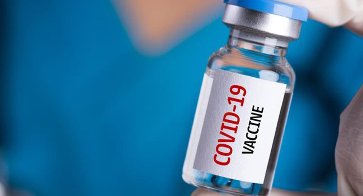 Aunque muchos deseen con ansias poderse vacunar pronto contra el Covid-19, otros de muestran reacios a hacerlo. Foto: Twitter @jorgeibarragus1