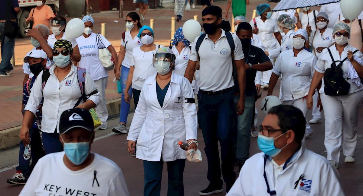 Bogotá sigue siendo una de las ciudades más afectada por la pandemia. Foto: EFE