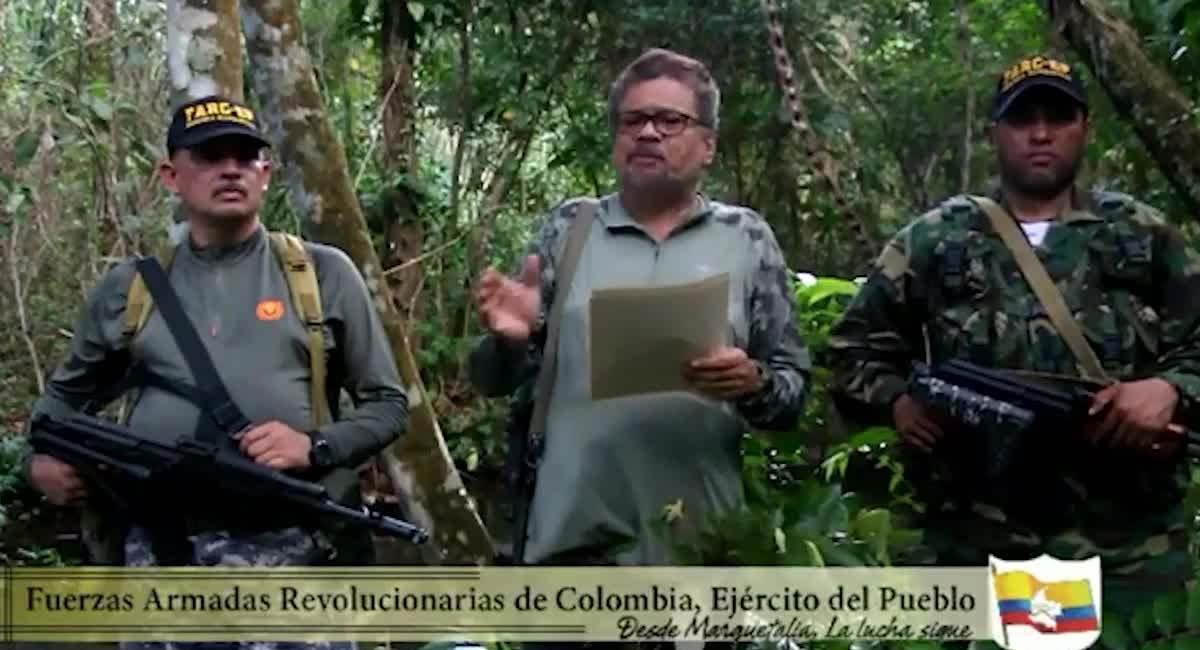 Iván Márquez (centro), máximo líder de las disidencias de las Farc. Foto: Youtube / @ Jacobo Alape