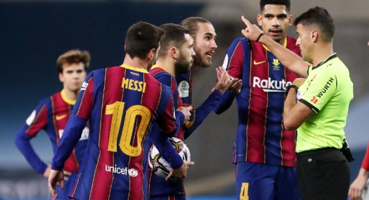 Lionel Messi al ser expulsado ante Athletic de Bilbao. Foto: Twitter @FCBarcelona_es