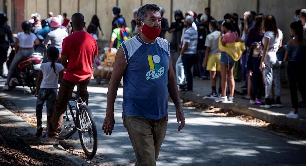 El programa busca que los venezolanos participen de los procesos laborales en Colombia. Foto: EFE