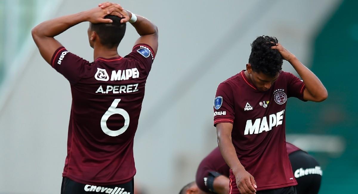 Alexis Pérez cometió un gran error en la final de la Copa Sudamericana. Foto: EFE