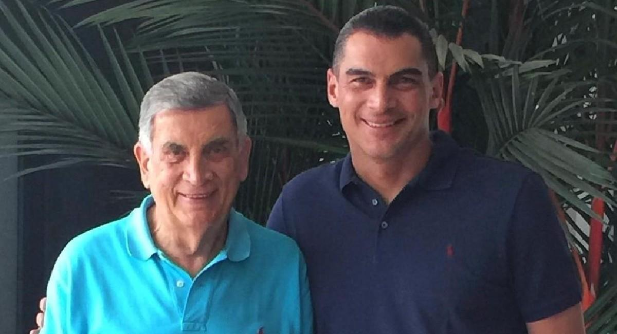 Faryd Mondragón junto a su padre Camilo. Foto: Instagram @farydmondragon