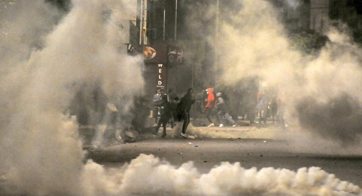 Graves disturbios se han presentado en los últimos días en los Países Bajos como consecuencia del toque de queda decretado hasta el 9 de febrero. Foto: Twitter @LaJornadaMaya