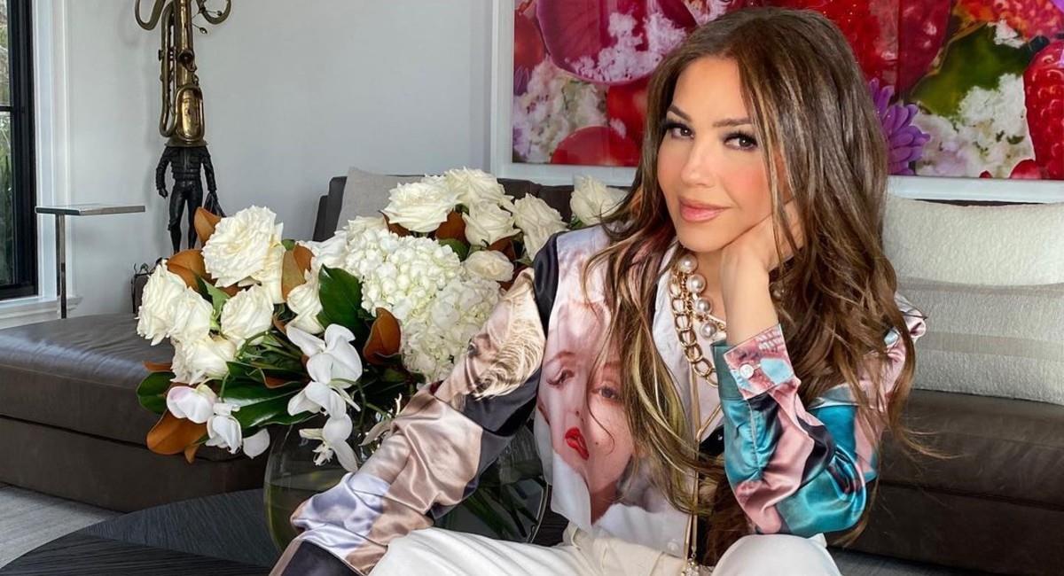 Thalía posó para la revista de moda revelando detalles sobre su infancia y adolescencia. Foto: Instagram
