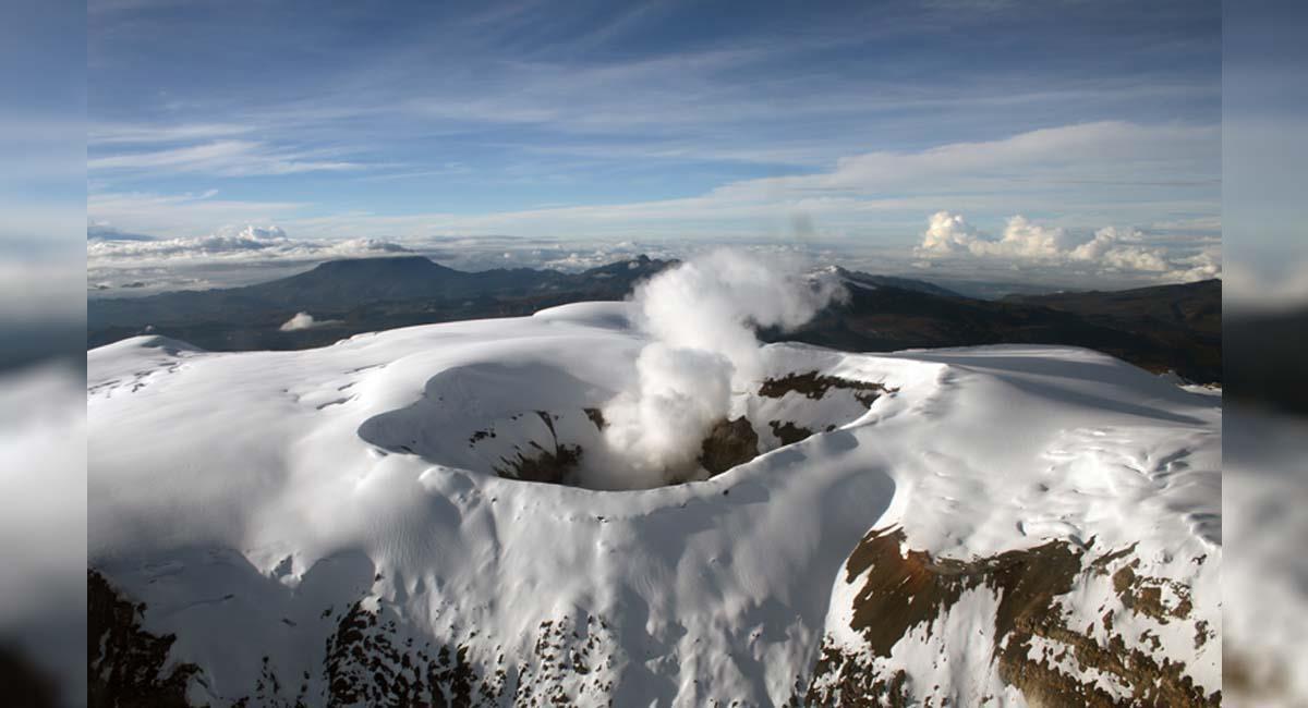 El volcán ha mostrado inestabilidad durante los últimos diez años. Foto: Twitter / @sgcol