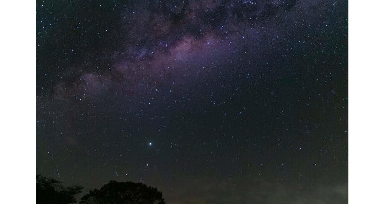 Los asteroides llegaron en 'combo' en febrero, y continuarán su órbita hasta marzo. Foto: Pexels