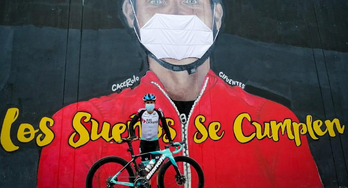 Esteban Chaves, pedalista colombiano. Foto: Twitter @estecharu