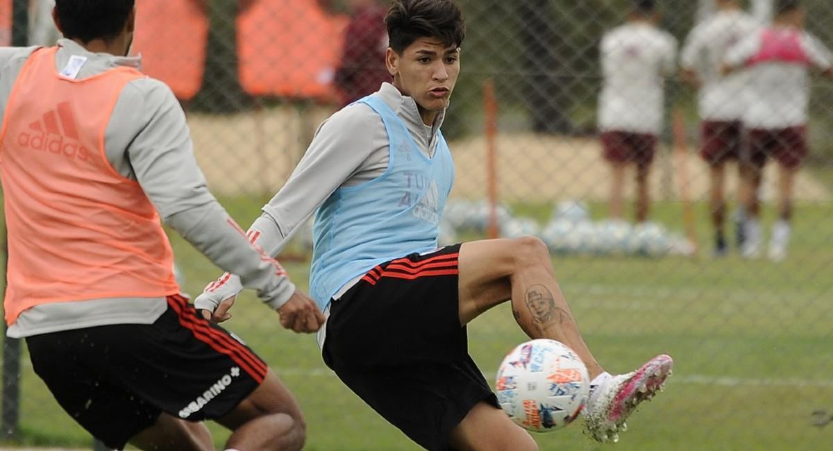Jorge Carrascal en un entrenamiento de River Plate. Foto: Twitter @riverplate