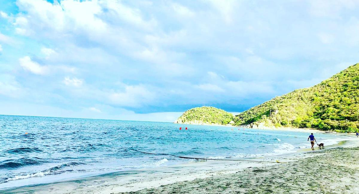 La Playa Tortuga es una de las menos reconocidas en Santa Marta, pero un verdadero paraíso. Foto: Twitter @ErikaPuentes