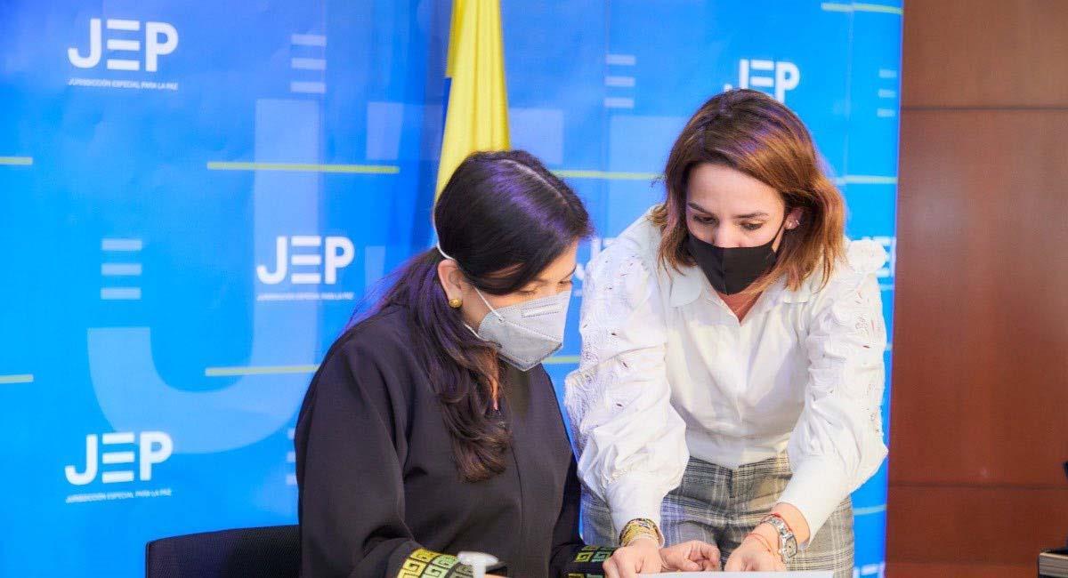 La directora del ICBF, Lina Arbeláez, presentó su denuncia ante la JEP. Foto: Twitter / @linaarbelaez