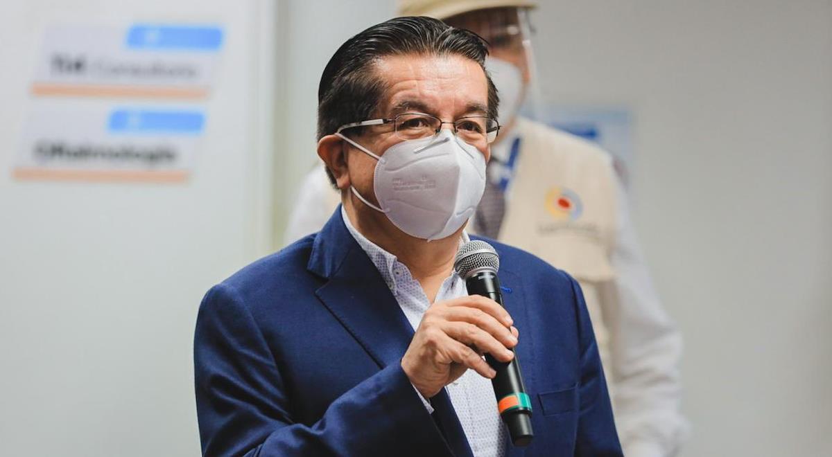 Fernando Ruiz aseguró que personas con antecedentes también serán vacunadas. Foto: Twitter @ClaudiaLopez