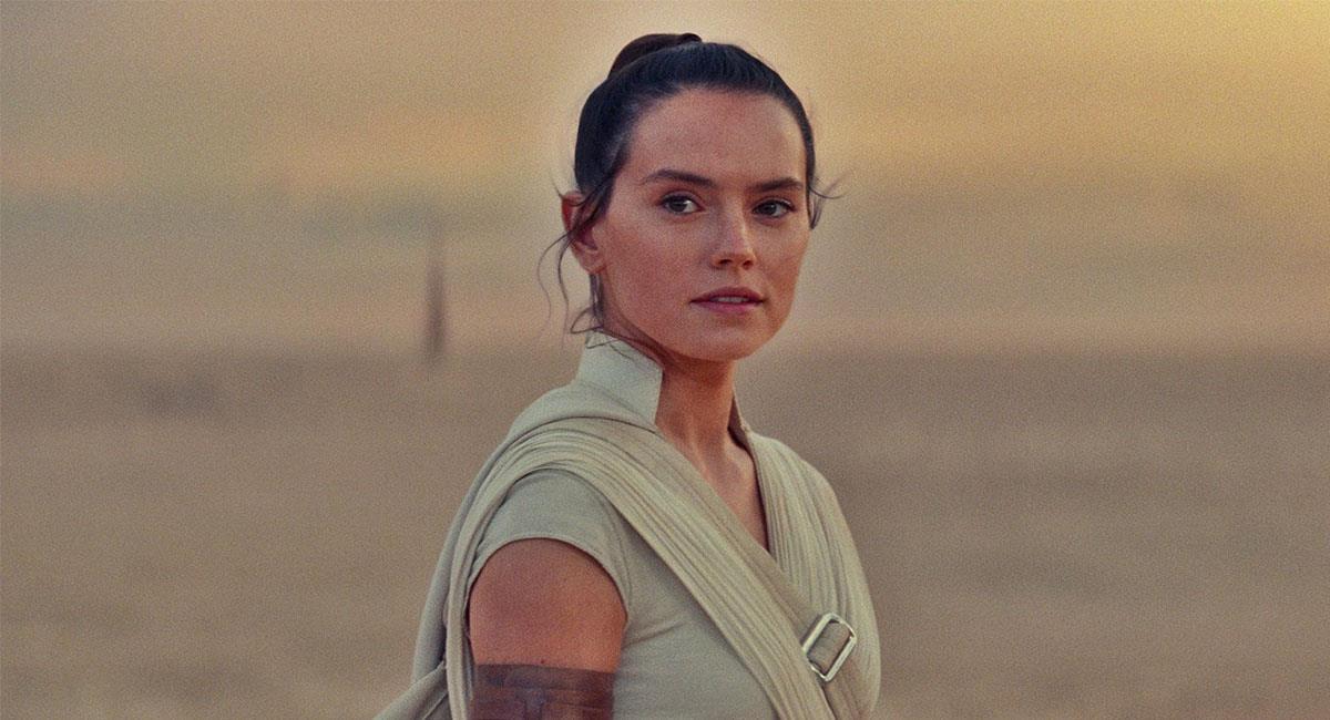 """Daisy Ridley es mayormente conocida por su papel de Rey en las últimas cintas de """"Star Wars"""". Foto: Twitter @starwars"""