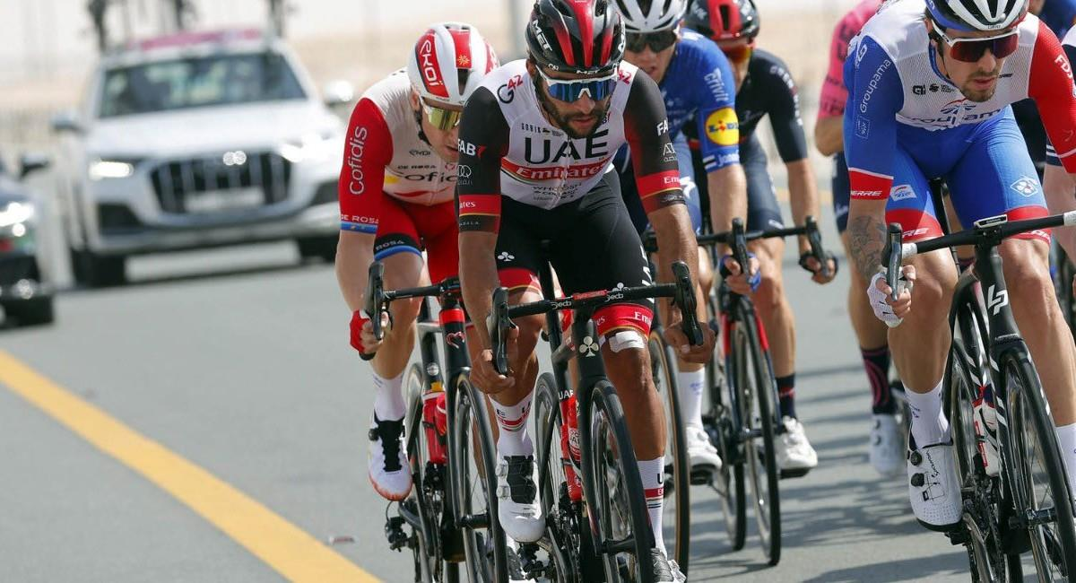 Fernando Gaviria en el Tour de los Emiratos. Foto: Twitter @TeamEmiratesUAE