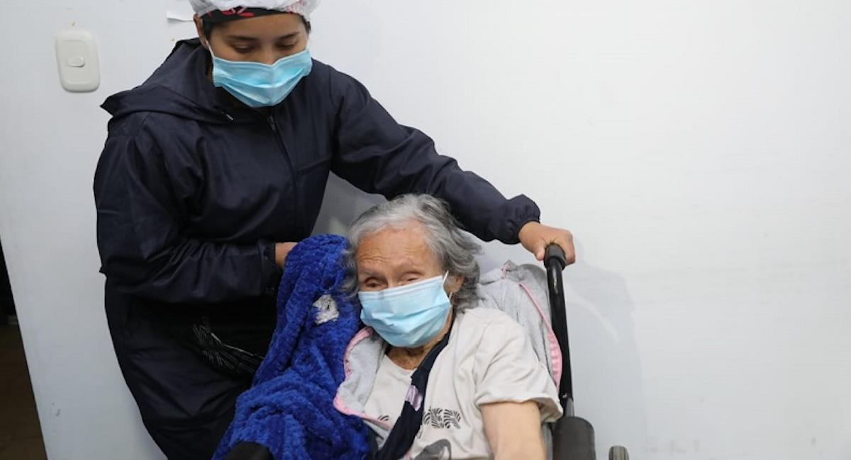 Comienza el proceso de inmunización para adultos mayores en Cundinamarca. Foto: Gobernación de Cundinamarca