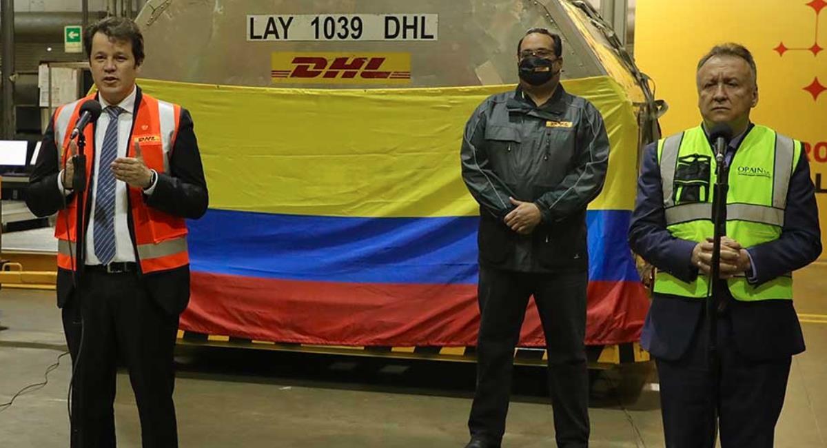 Cargamento con 50.310 nuevas dosis de la vacuna de Pfizer llegan al país. Foto: Presidencia de Colombia