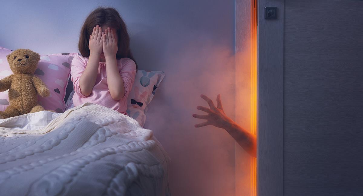 """Video: Cámara capta a trillizas hablando con un """"fantasma"""" en su habitación. Foto: Shutterstock"""