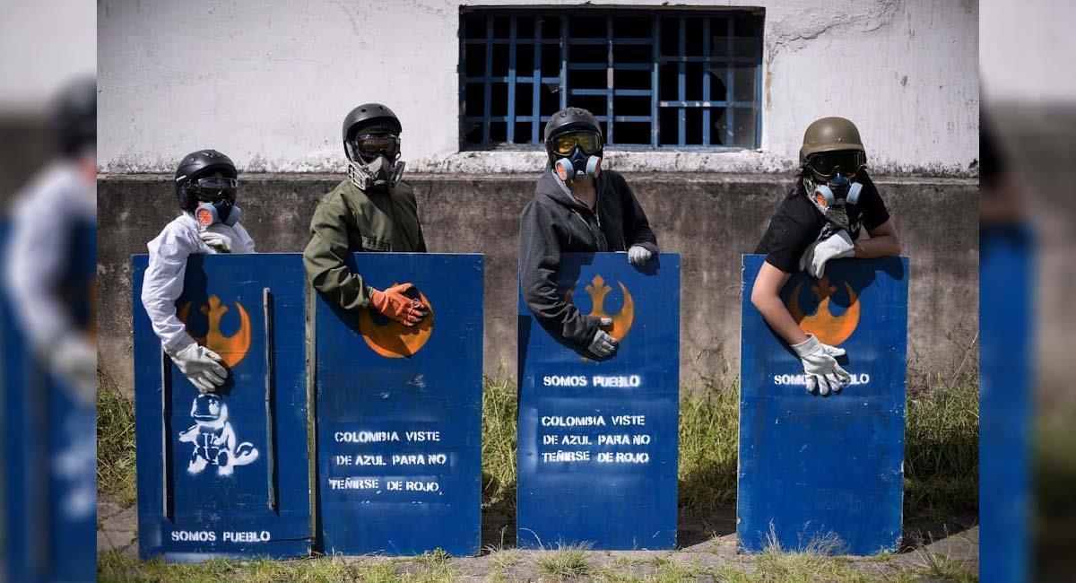 El joven haría parte de los llamados 'Escudos Azules', primera línea durante las manifestaciones. Foto: Twitter / @Tiradorsilencio