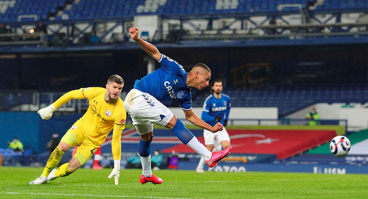 Richarlison marcó el primer tanto de Everton ante Southampton. Foto: EFE