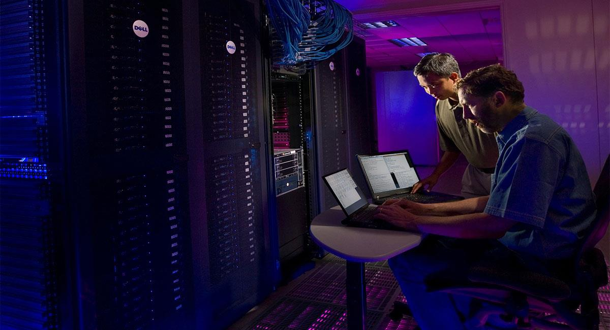 Colombia hosting facilita servicios inteligentes en Colombia, Perú, y Latinoamérica. Foto: Unsplash (@scienceinhd)