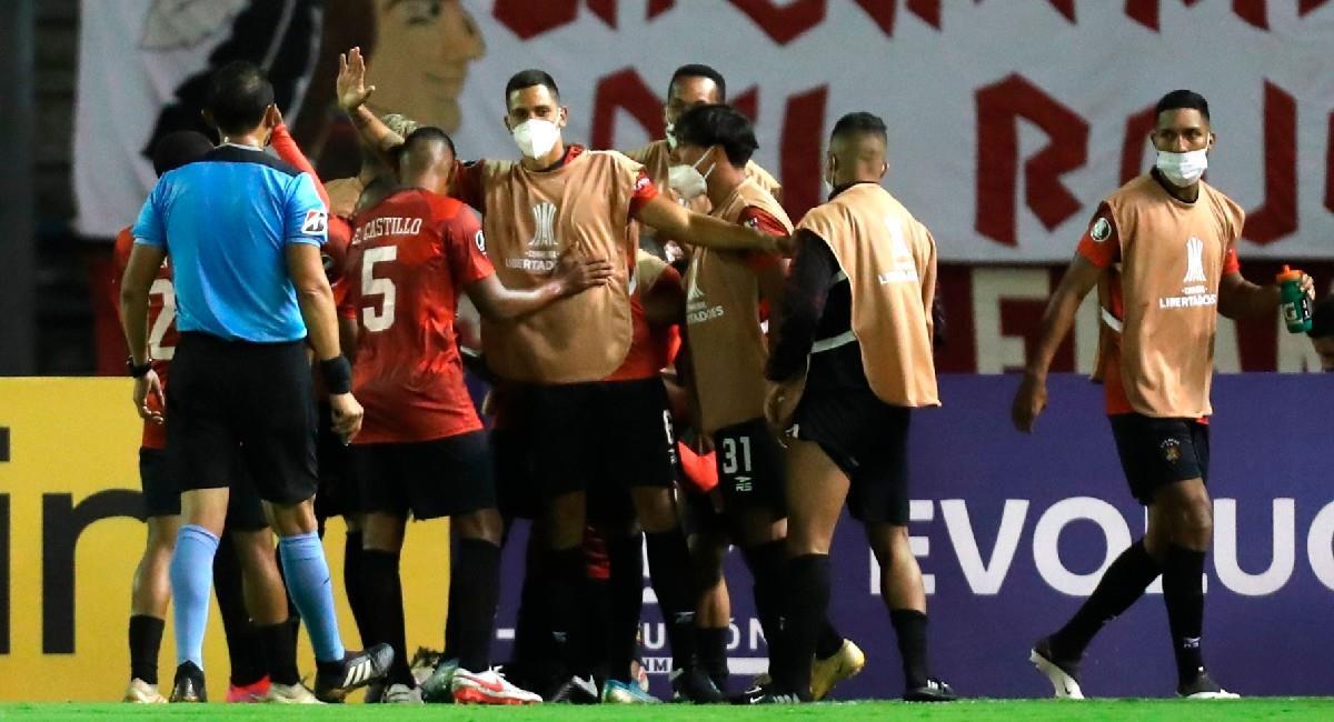 Caracas celebra uno de los goles ante César Vallejo. Foto: EFE
