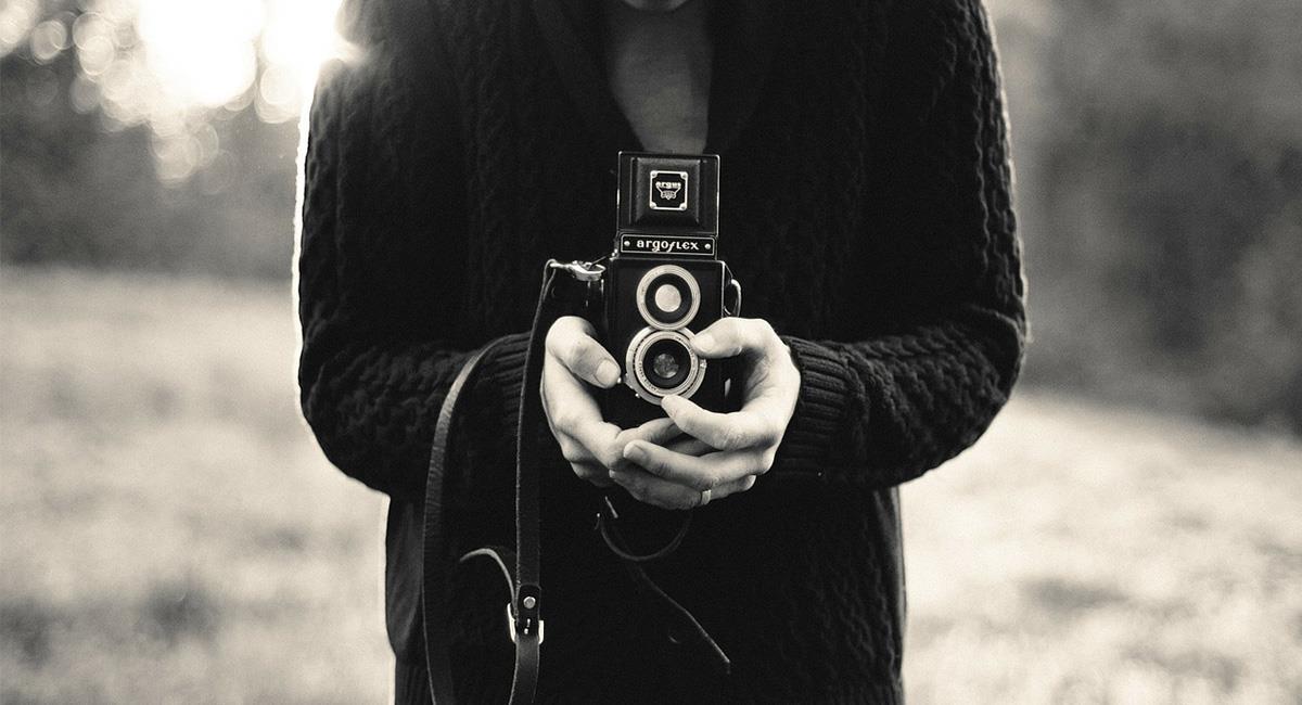 """Las cámaras de los 'smartphones' pudieran captar imágenes """"con poca luz"""". Foto: Pixabay"""
