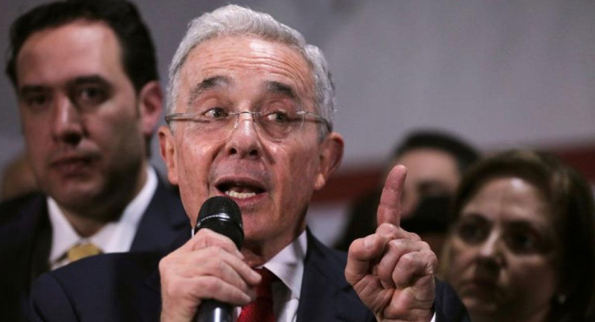 Expresidente y exsenador Álvaro Uribe. Foto: Twitter @RequenaCNN