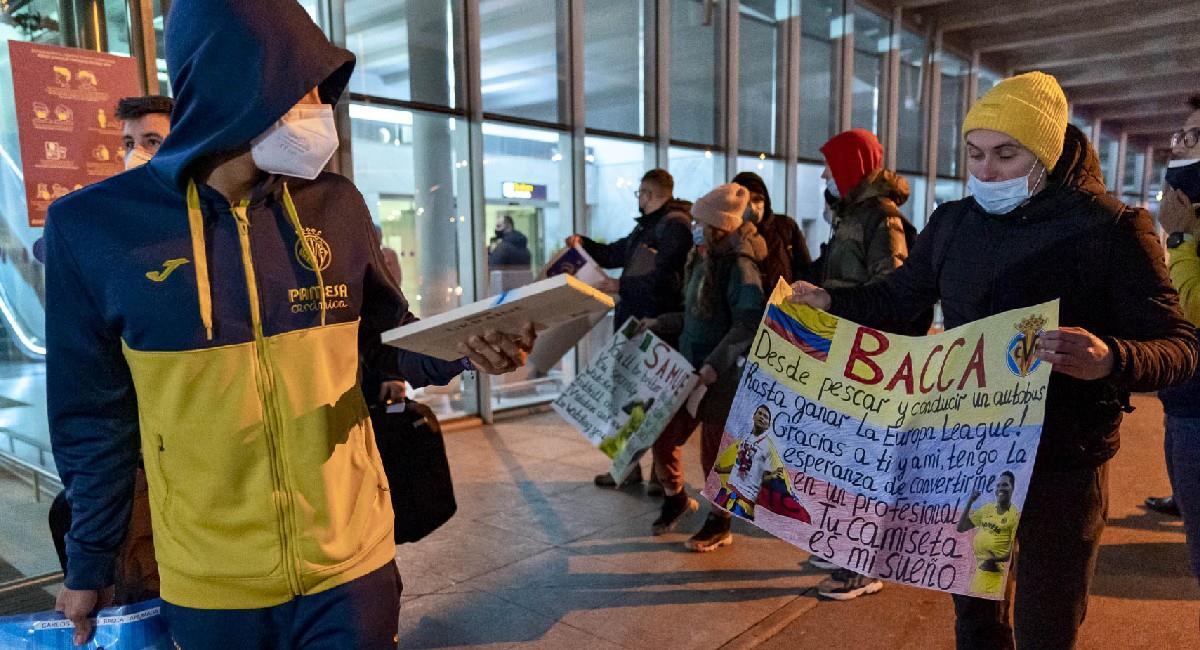 Este es el mensaje de la pancarta dirigido a Carlos Bacca. Foto: Twitter @VillarrealCF