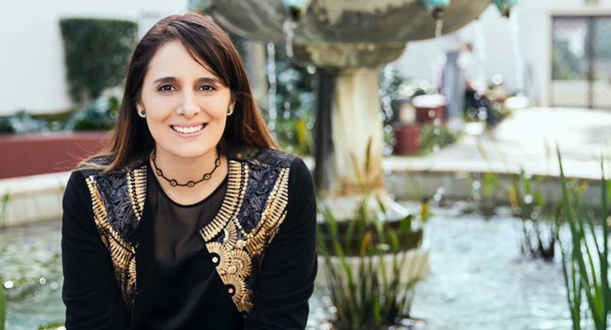 Lina González-Granados es una colombiana nacida en Cali que se consolida como directora de orquestas sinfónicas en los Estados Unidos. Foto: Twitter @RIPhilharmonic