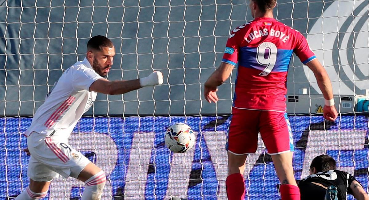 Karim Benzema anotó doblete con Real Madrid. Foto: EFE