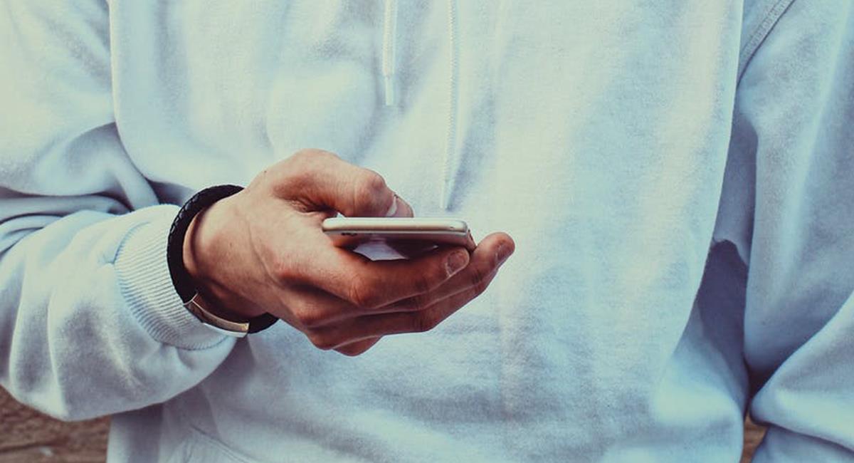 El espacio de almacenamiento, puede 'sacar la mano' si tienes muchos 'chats' archivados. Foto: Pexels