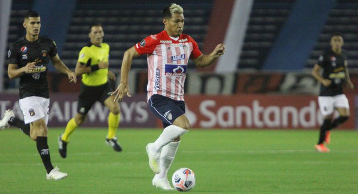 Teófilo Gutiérrez mostró su calidad y condujo al Junior a una victoria ante Caracas por la Conmebol Libertadores. Foto: Twitter @JuniorClubSA