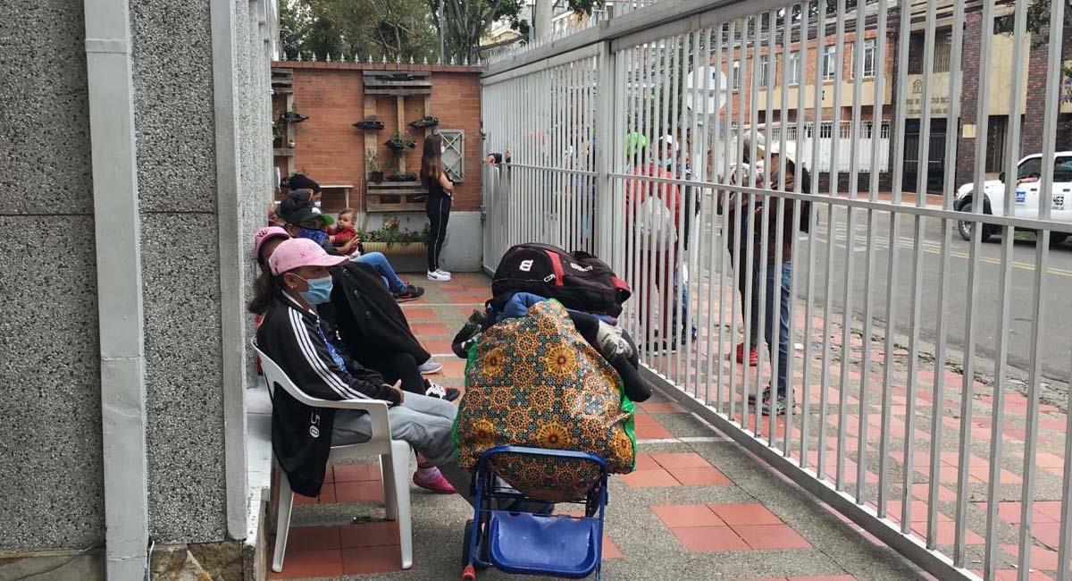 En 2020, se logró ayudar a más de 13.304 migrantes venezolanos en Bogotá. Foto: Twitter / @integracionbta