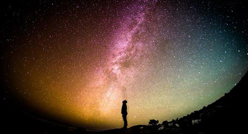3 datos con la que la física explicaría la existencia de Dios
