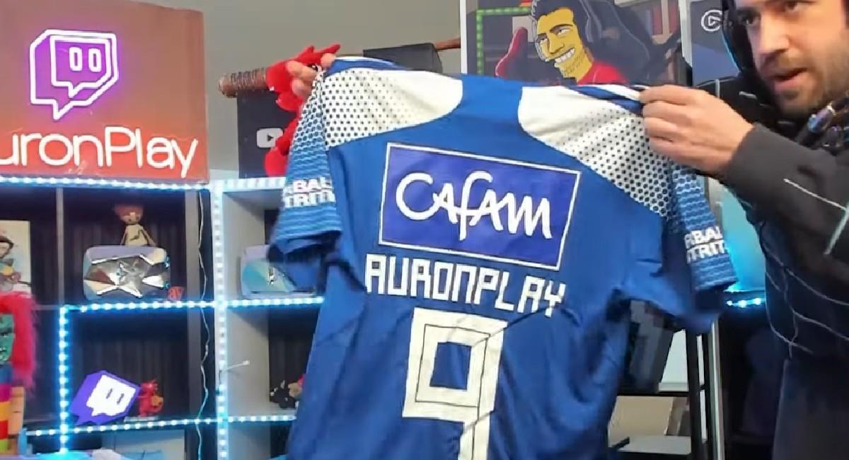 AuronPlay con la camiseta de Millonarios. Foto: Twitch AuronPlay