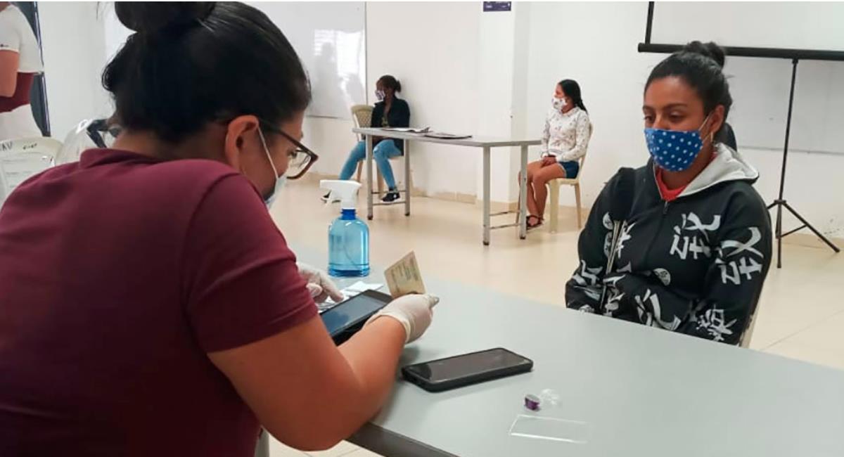 Colombianos recibirán el segundo pago del ingreso solidario a partir del 15 de abril. Foto: Presidencia de Colombia