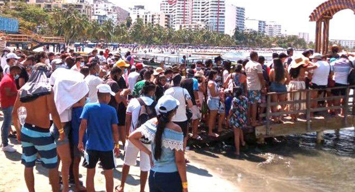 Los 'samarios' y visitantes habrían generado situaciones irregulares en las playas. Foto: Twitter @MabelGasca