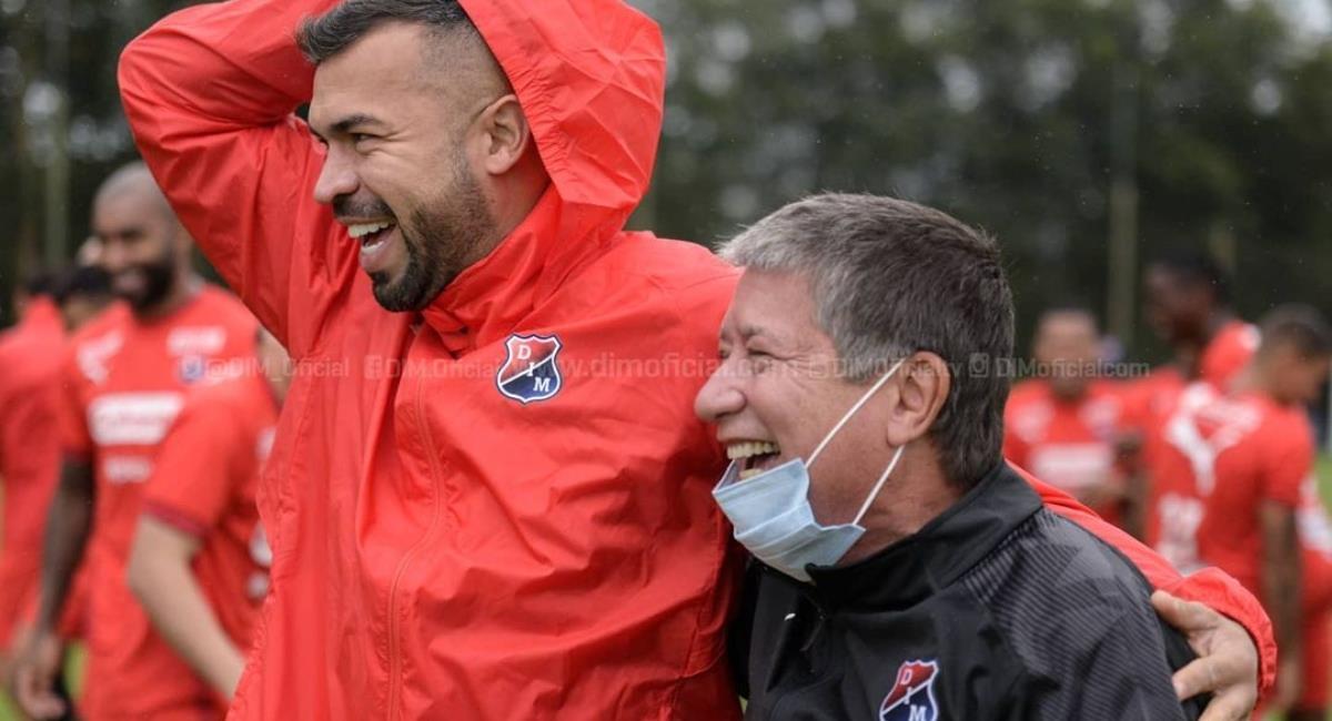Carta de jugadores del DIM al 'Bolillo' Gómez. Foto: Instagram Prensa redes DIM.