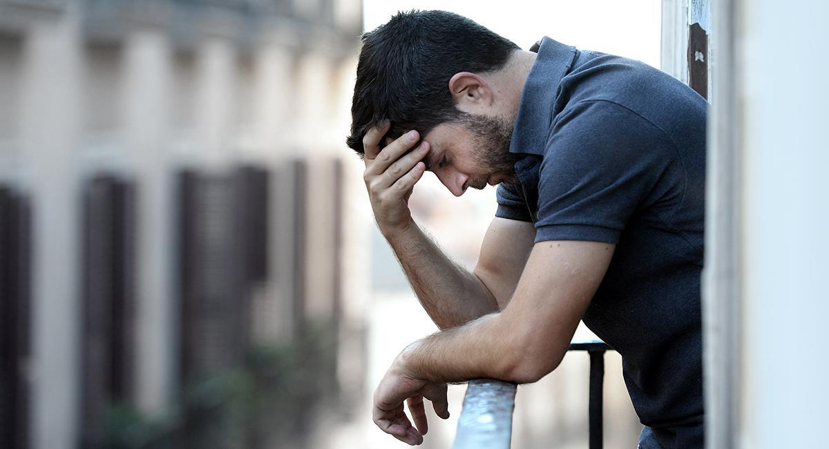 Aquí te decimos por qué y cómo deberías orar cuando alguien te hace sufrir. Foto: Shutterstock