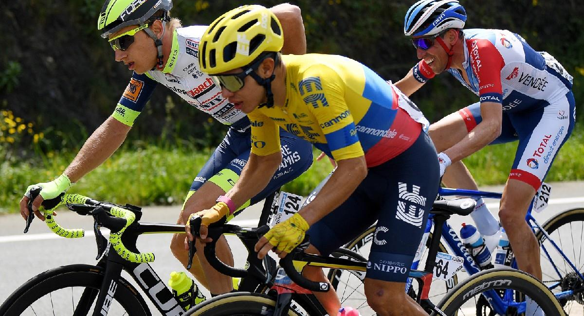 Sergio Higuita en la quinta etapa de la Vuelta al País Vasco. Foto: Twitter @EFprocycling