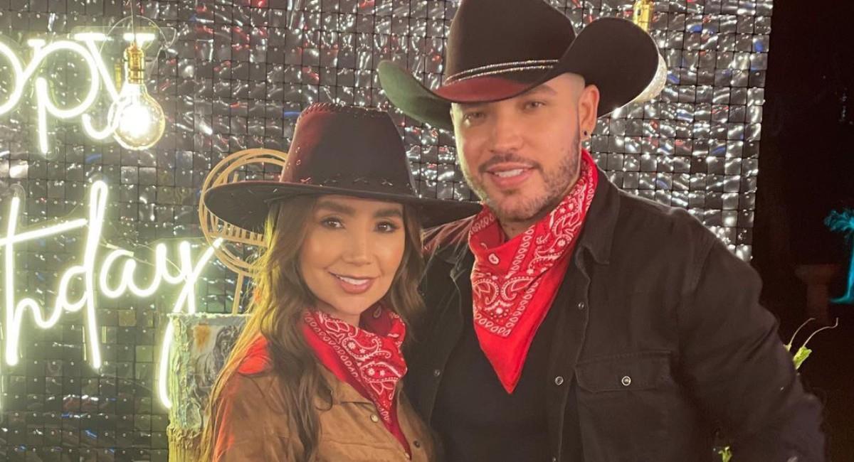 Paola Jara y Jessi Uribe enamoraron a sus fans con un video bañando un caballo. Foto: Instagram