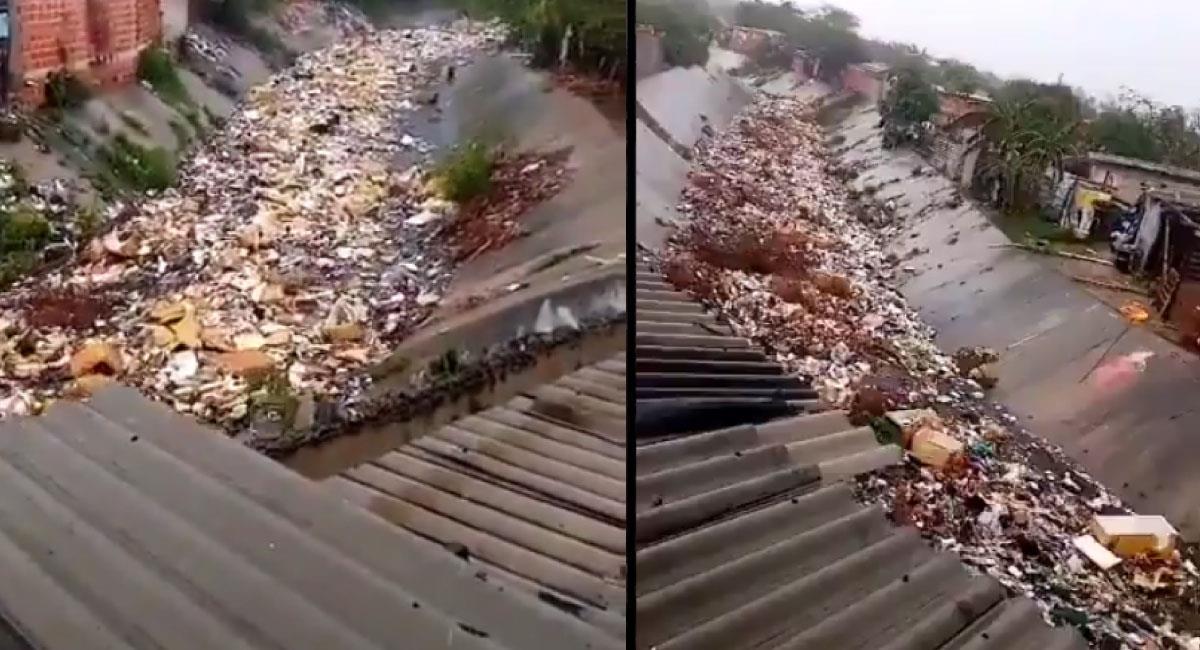 Arroyo Don Juan lleno de basura. Foto: Twitter @Chris_NavarroCO