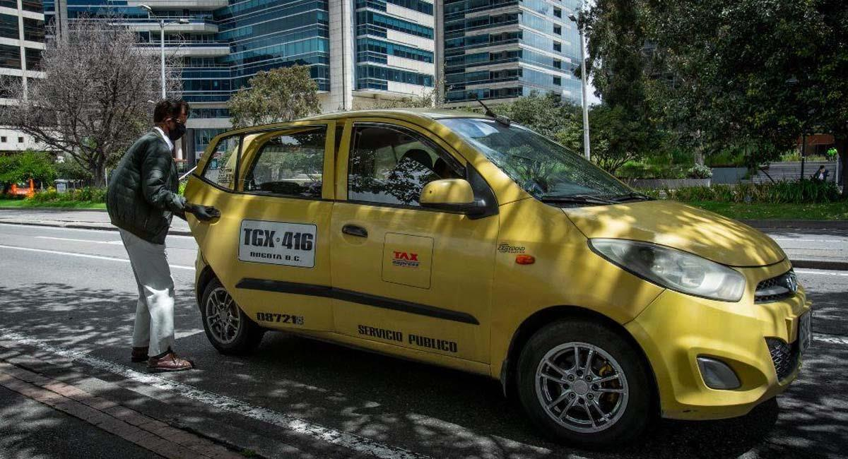 Aunque serán poco los vehículos transitando, estos deberán cumplir con la medida del pico y placa. Foto: Alcaldía de Bogotá