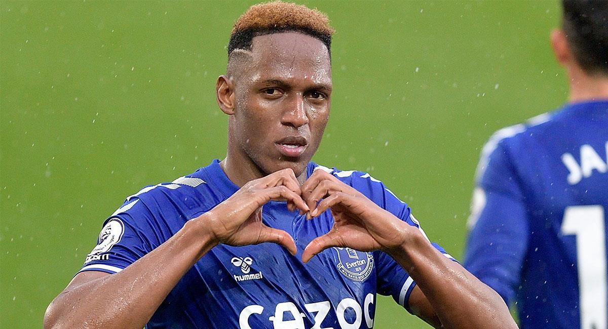 Yerry Mina ha sido titular en los dos últimos compromisos de Everton. Foto: Twitter @EvertonESP