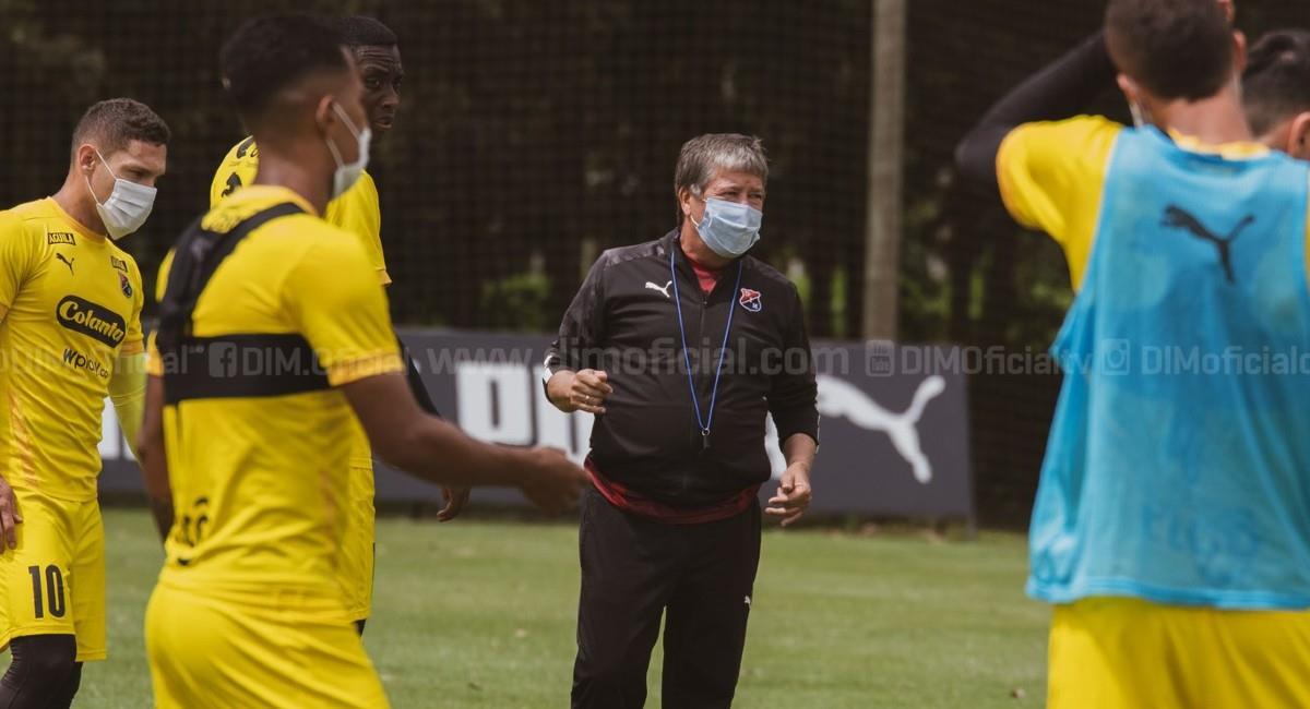 Bolillo Gómez, técnico de Independiente Medellín. Foto: Twitter @DIM_oficial