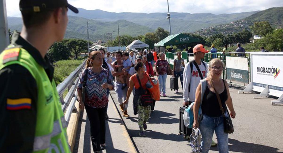 Cientos de migrantes irregulares ingresan a territorio colombiano cada día esperando encontrar mejores condiciones de vida. Foto: Twitter @AdriBoersner