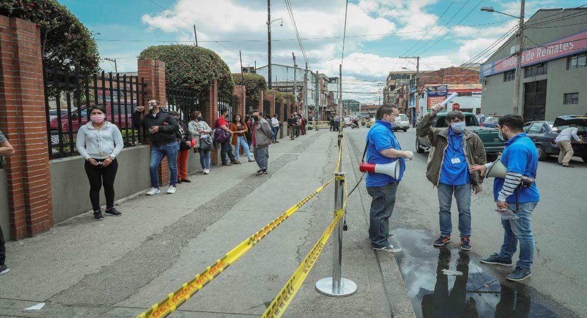 El pico y cédula intenta reducir al máximo las aglomeraciones en el país. Foto: Alcaldía de Bogotá