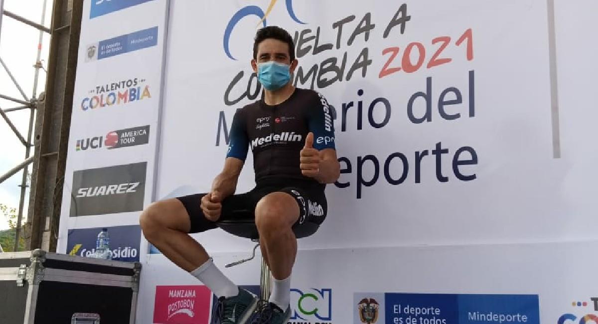 Óscar Sevilla, del Team Medellín, ganador del prólogo de la Vuelta a Colombia 2021. Foto: Twitter @Vueltacolombia1