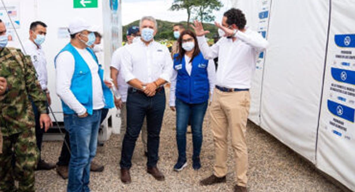 Iván Duque inauguró un centro de atención para migrantes venezolanos que ingresan a Colombia en el municipio de Los Patios en Norte de Santander. Foto: Twitter @noticiaaldia