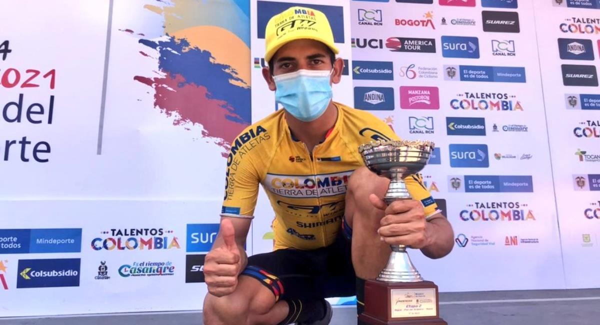 Nelson Soto ganó la primera etapa de la Vuelta a Colombia. Foto: Twitter Prensa redes Colombia Tierra de Atletas.
